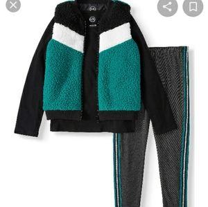 Wonder Nation girls 3 piece sherpa vest set
